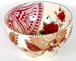 Чаша с декоративной росписью